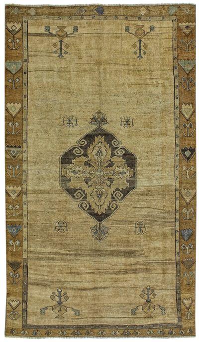 Ivory Konya Rug #2266 • 6′7″ x 11′4″ • 100% Wool