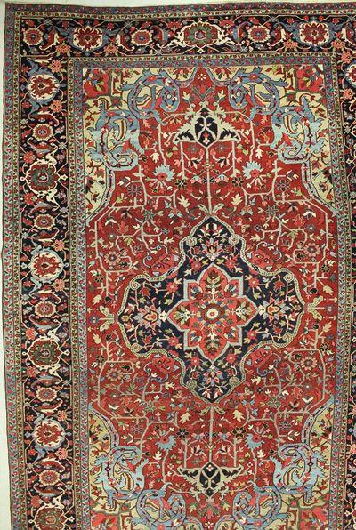 Red Serapi Rug #7550 • 11′9″ x 17′5″ • 100% Wool