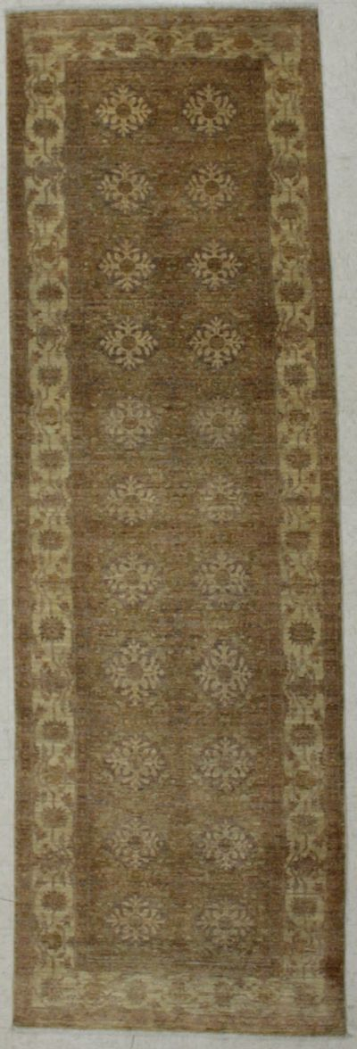 beige Ushak Rug #8450 • 3′1″ x 9′11″ • Wool on Cotton