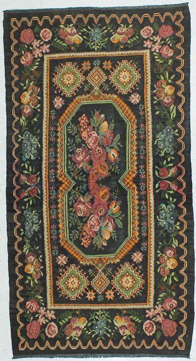 Green Kilim Rug #439 • 4′3″ x 8′0″ • 100% Wool