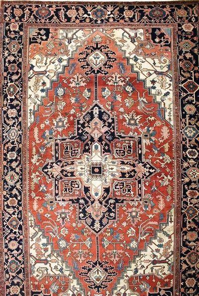 Red Serapi Rug #7509 • 10′5″ x 16′7″ • 100% Wool