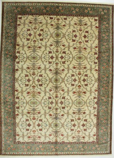 Ivory Sivas Rug #591 • 10′4″ x 14′0″ • 100% Wool