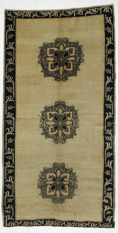 Gold Konya Rug #1890 • 4′9″ x 9′3″ • 100% Wool