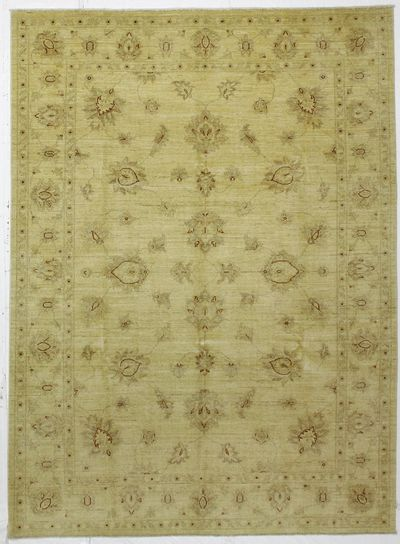 Ivory Ushak Rug #231 • 7′2″ x 9′9″ • Wool on Cotton