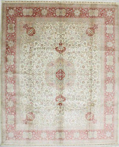 White Hereke Rug #1117 • 8′0″ x 9′6″ • 100% Silk