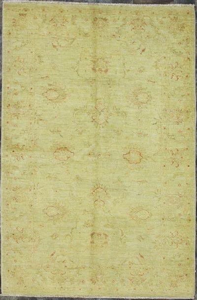 Ivory Ushak Rug #8327 • 3′11″ x 5′10″ • Wool on Cotton