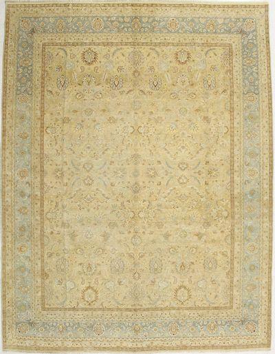Light Gold Ushak Rug #1449 • 9′1″ x 11′10″ • Wool on Cotton