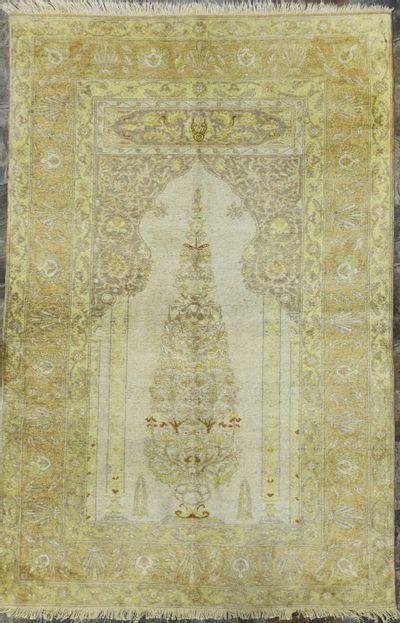 Ivory Kayseri Rug #1617 • 3′10″ x 5′10″ • Silk on Cotton