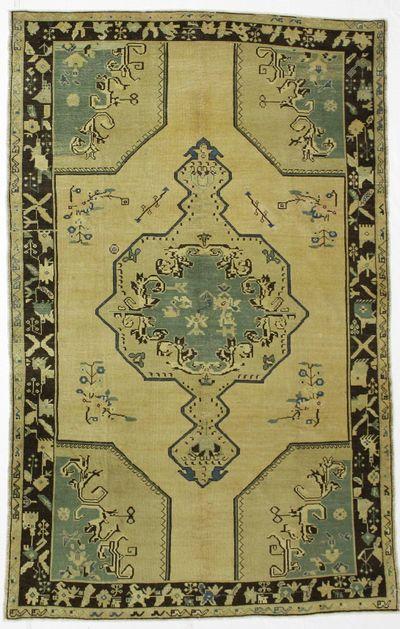 Ivory Konya Rug #111 • 6′4″ x 10′0″ • 100% Wool