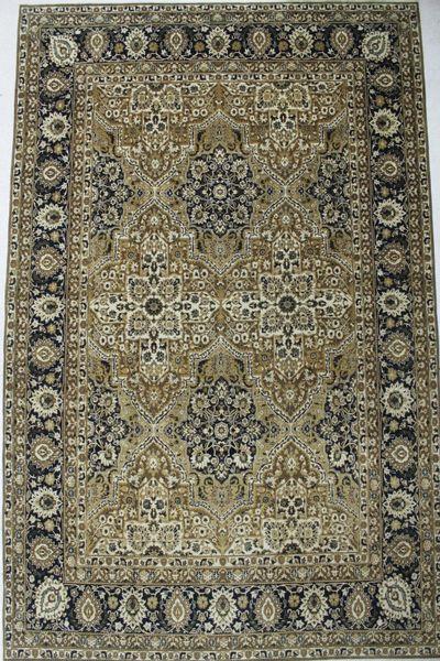 Green Ottoman Rug #8682 • 9′11″ x 15′7″ • 100% Wool