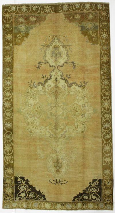 Ivory Konya Rug #101 • 6′3″ x 11′9″ • 100% Wool