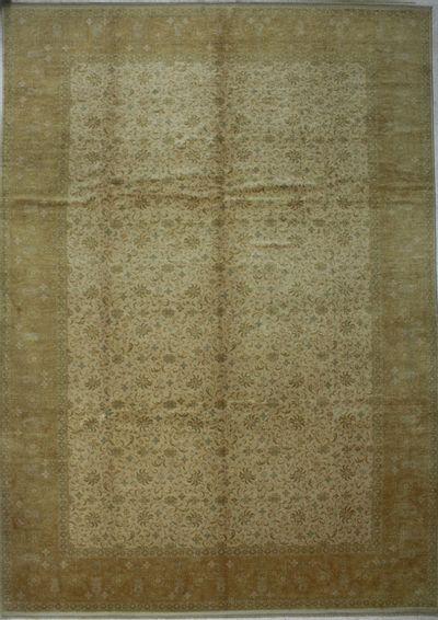 Ivory Ushak Rug #8203 • 9′8″ x 12′10″ • 100% Wool