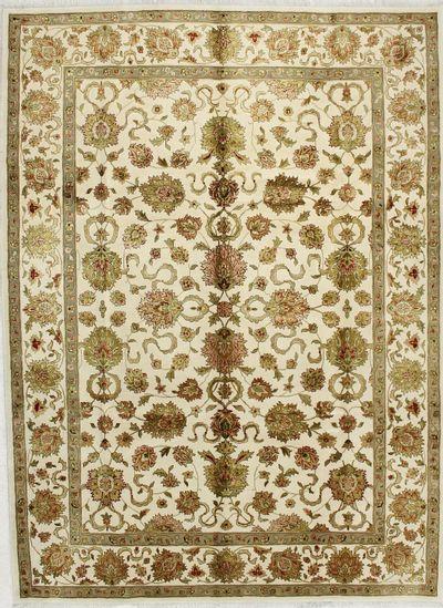 Ivory Royal Flower Rug #1652 • 7′4″ x 9′11″ • 100% Wool