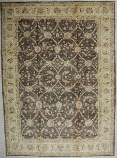 Brown Ushak Rug #8774 • 9′10″ x 13′6″ • Wool on Cotton