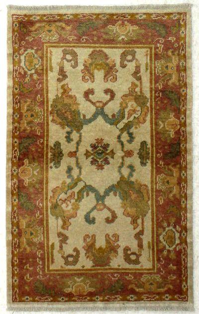 Ivory Ushak Rug #8094 • 3′2″ x 5′0″ • 100% Wool