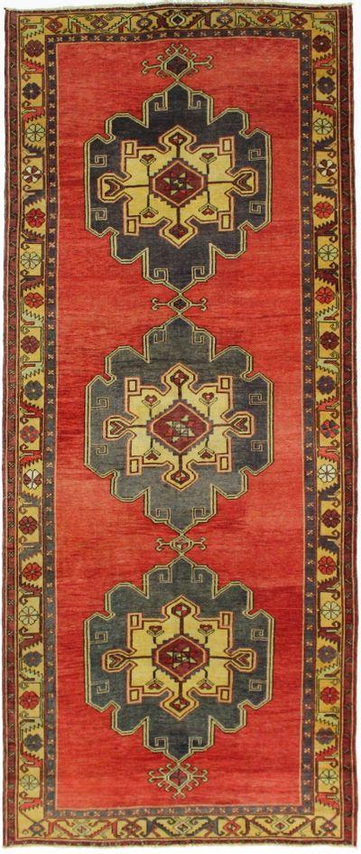Red Konya Rug #2533 • 5′2″ x 12′4″ • 100% Wool