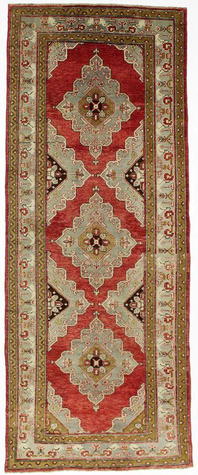 Red Konya Rug #2552 • 4′8″ x 11′9″ • 100% Wool