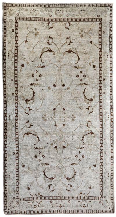Ivory Konya Rug #1018 • 5′7″ x 10′5″ • 100% Wool