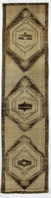 Ivory Konya Rug #2662 • 2′11″ x 11′8″ • 100% Wool