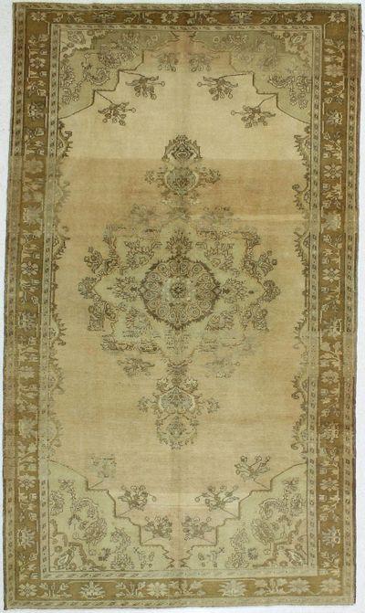 Ivory Konya Rug #66 • 6′4″ x 11′0″ • 100% Wool