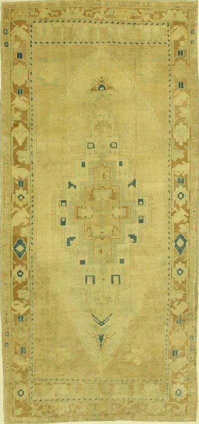 Ivory Konya Rug #1317 • 5′4″ x 11′7″ • 100% Wool