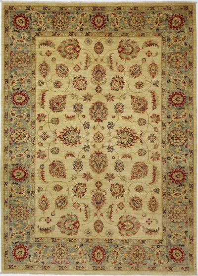 Ivory Ushak Rug #1645 • 5′8″ x 7′11″ • 100% Wool