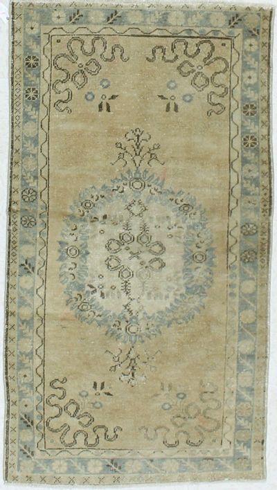 Camel Konya Rug #919 • 3′5″ x 6′3″ • 100% Wool