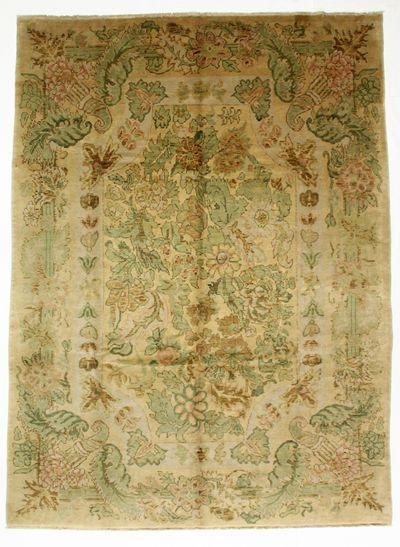 Ivory Ushak Rug #8367 • 8′6″ x 11′8″ • 100% Wool