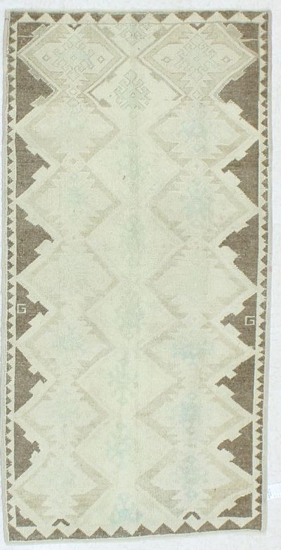 Ivory Konya Rug #991 • 3′3″ x 6′5″ • 100% Wool