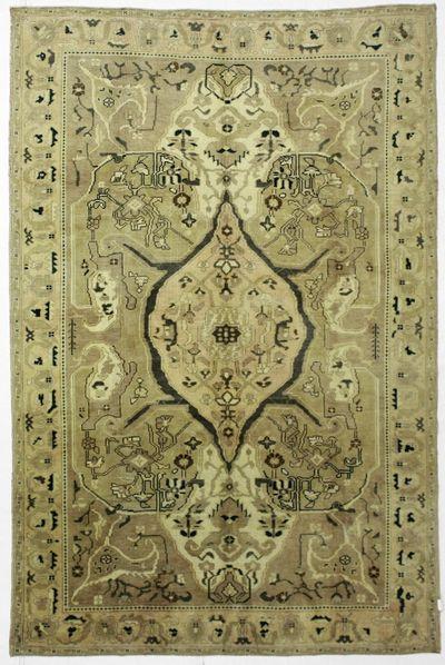 Ivory Konya Rug #99 • 6′7″ x 9′7″ • 100% Wool