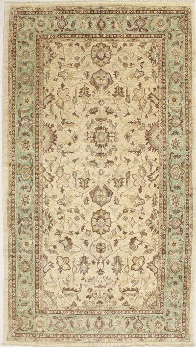 Ivory Ushak Rug #7209 • 7′6″ x 13′8″ • 100% Wool