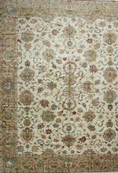 Ivory Karaman Rug #559 • 12′1″ x 15′2″ • 100% Wool