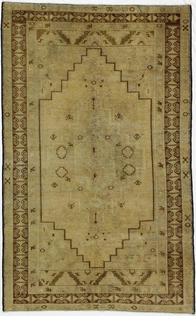 Light Green Konya Rug #1047 • 4′4″ x 7′0″ • 100% Wool