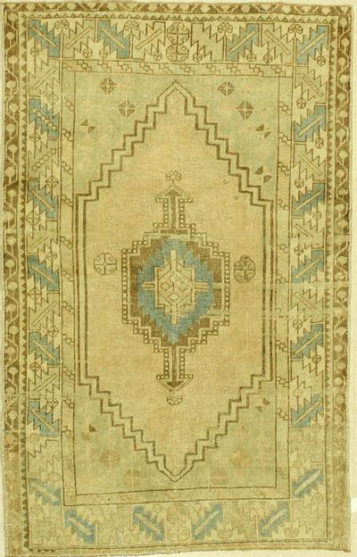 Ivory Konya Rug #1314 • 4′0″ x 6′3″ • 100% Wool