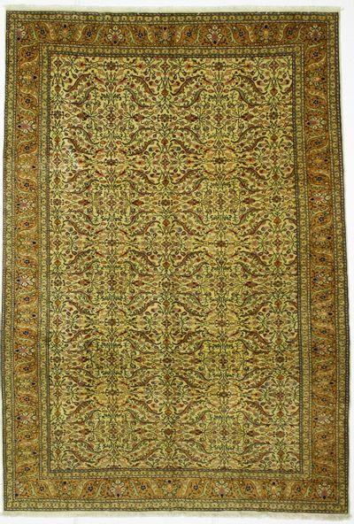 Olive Green Kayseri Rug #377 • 6′7″ x 9′7″ • Wool on Cotton
