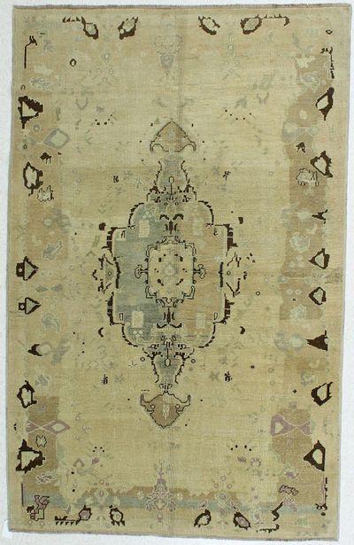 Ivory Konya Rug #178 • 5′4″ x 8′5″ • 100% Wool