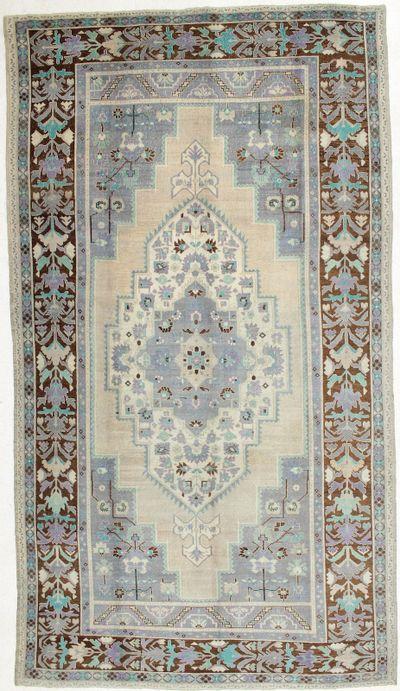Ivory Konya Rug #1497 • 7′5″ x 13′7″ • 100% Wool