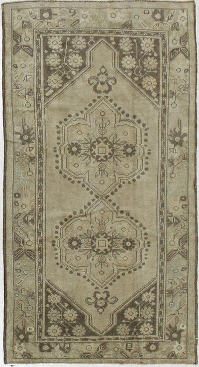 Ivory Konya Rug #1896 • 3′10″ x 7′1″ • 100% Wool