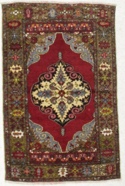 Red Kirsehir Rug #8581 • 3′5″ x 5′4″ • 100% Wool