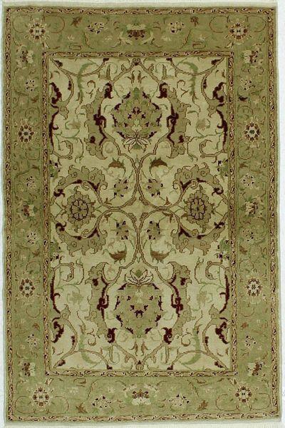 Ivory Ushak Rug #451 • 4′0″ x 6′0″ • 100% Wool