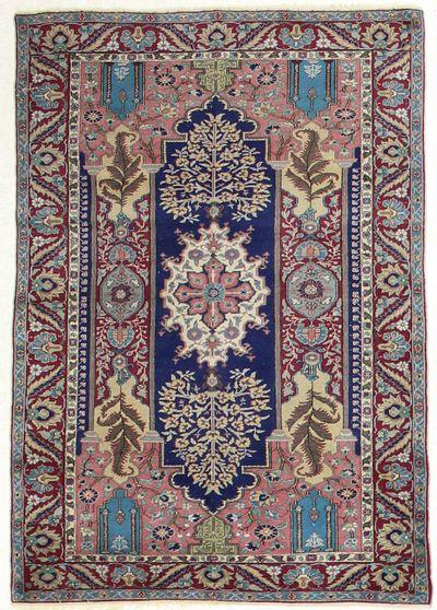 NAVY Kayseri Rug #7321 • 3′10″ x 5′7″ • Wool on Cotton