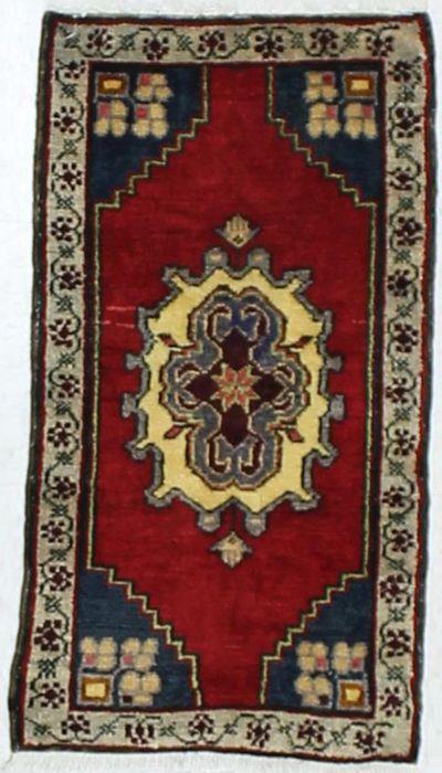 Red Konya Rug #914 • 1′7″ x 2′10″ • 100% Wool