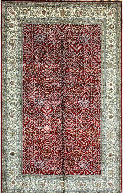 Red Hereke Rug #1130 • 5′2″ x 8′4″ • 100% Silk