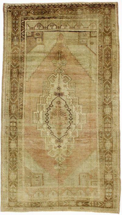 Ivory Konya Rug #736 • 5′2″ x 8′7″ • 100% Wool