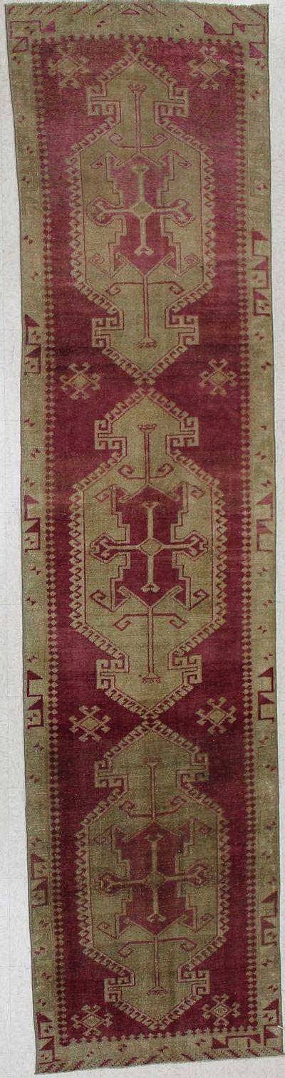 BURGUNDY Konya Rug #1894 • 2′10″ x 11′11″ • 100% Wool