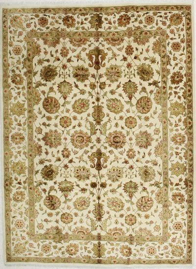 Ivory Royal Flower Rug #1781 • 7′4″ x 9′11″ • 100% Wool