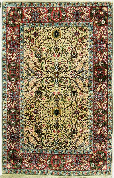 PINK Hereke Rug #7332 • 4′0″ x 6′0″ • Wool on Cotton