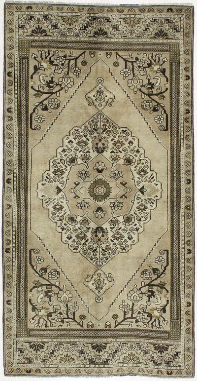 beige Konya Rug #2064 • 4′8″ x 9′2″ • 100% Wool